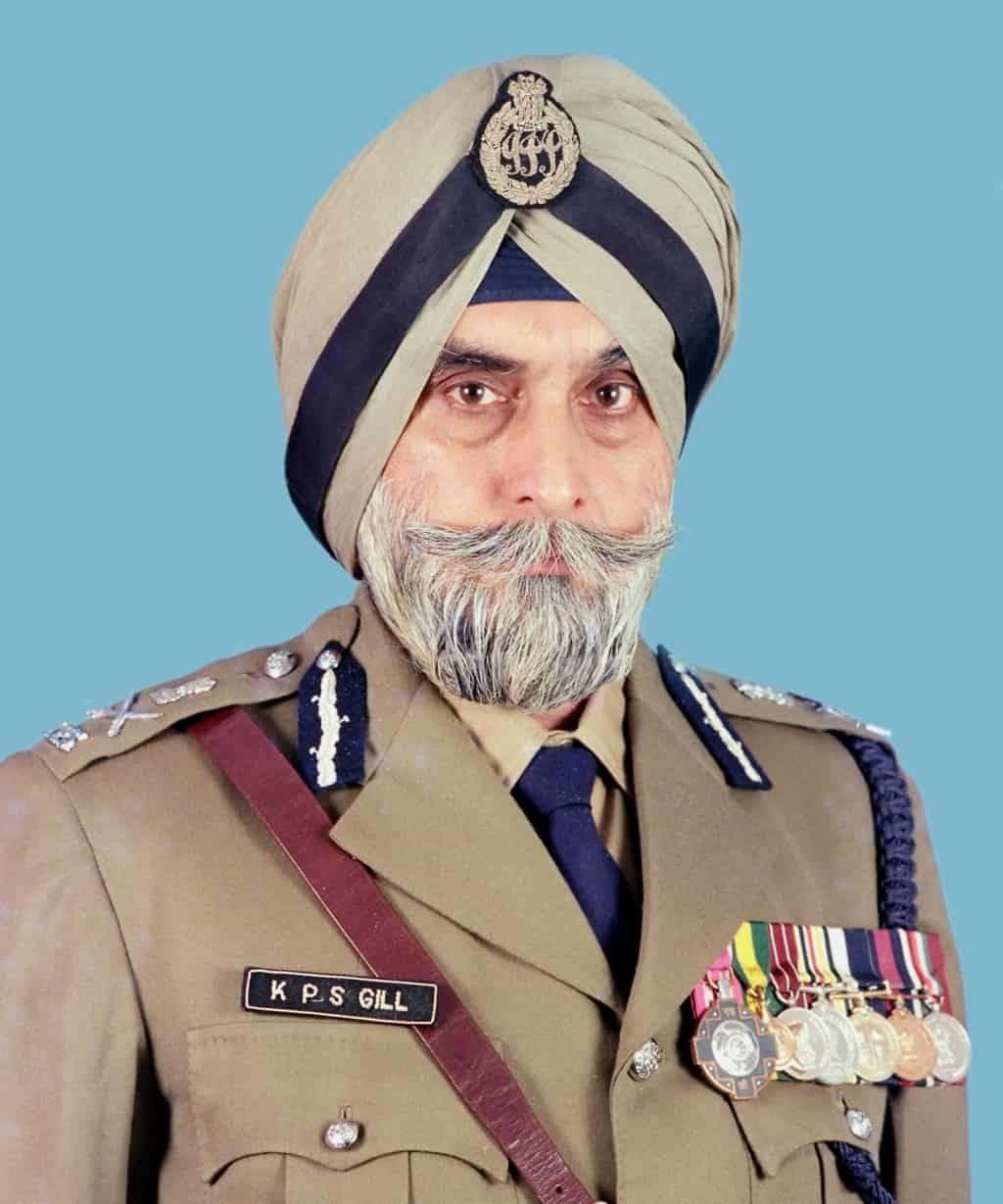 Captain amarinder singh attends antim ardas of former DGP KPS Gill
