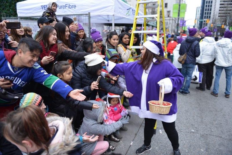 Vancouver Christmas Parade.300 000 Spectators Celebrate The Holiday Season With Telus